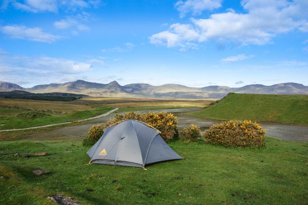 unser Zelt mit der Ridge im Hintergrund