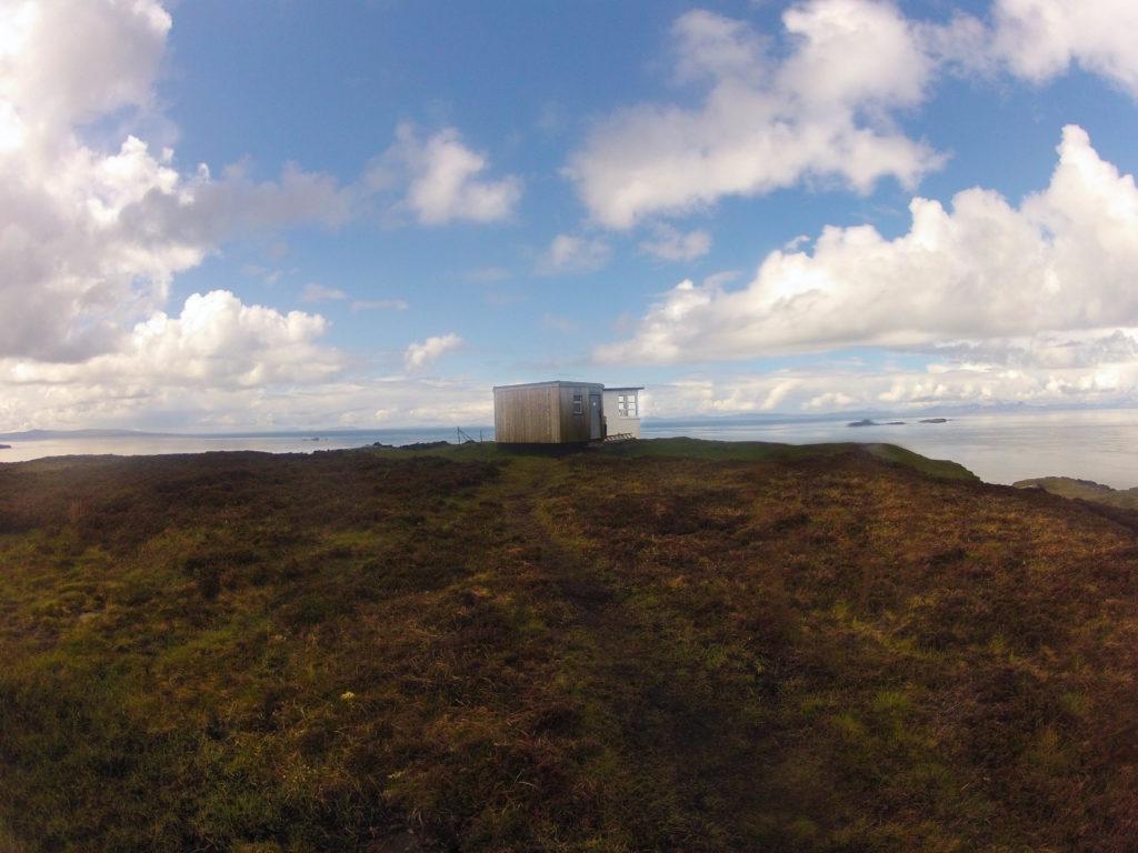 "Die Hütte ""The Lookout"" auf Etappe 1 am Skye Trail"