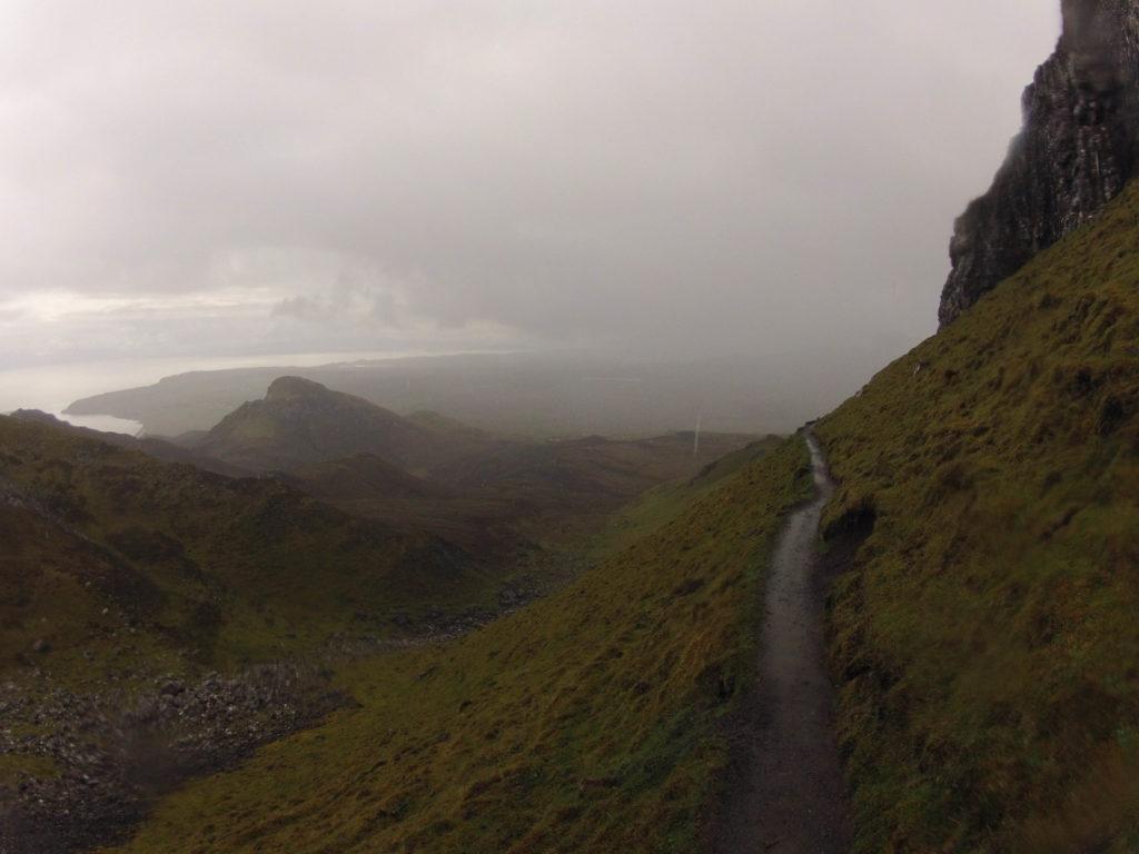 Weg durch die Quiraing auf Etappe 2 am Skye Trail