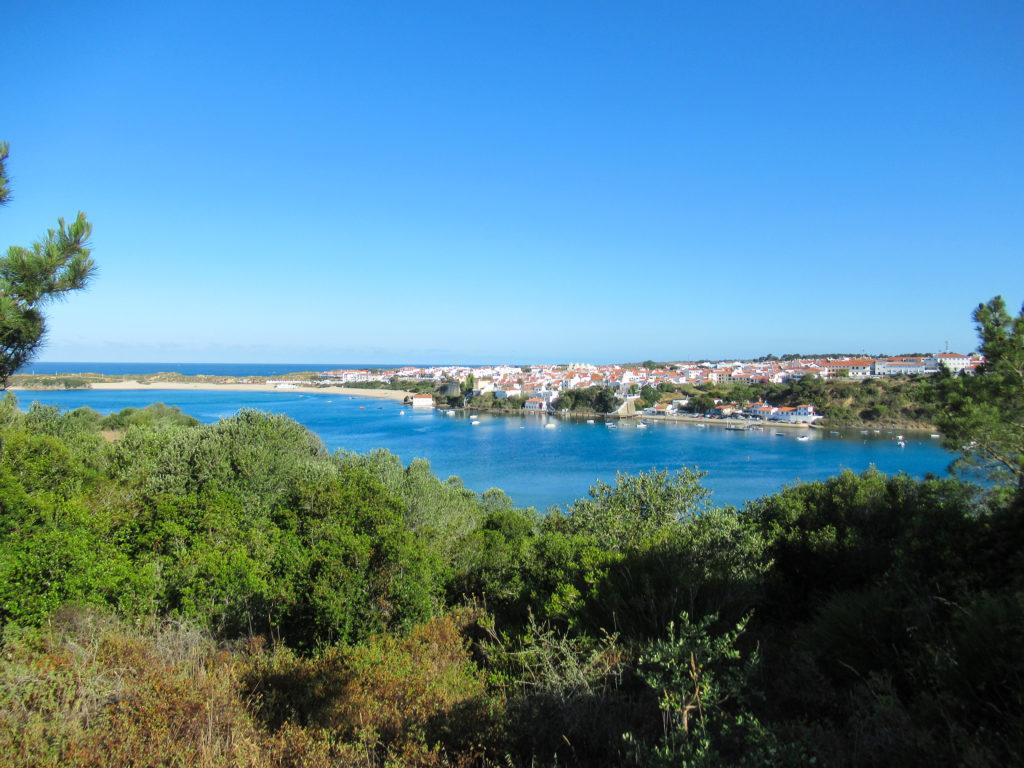 Blick auf Vila Nove des Milfontes